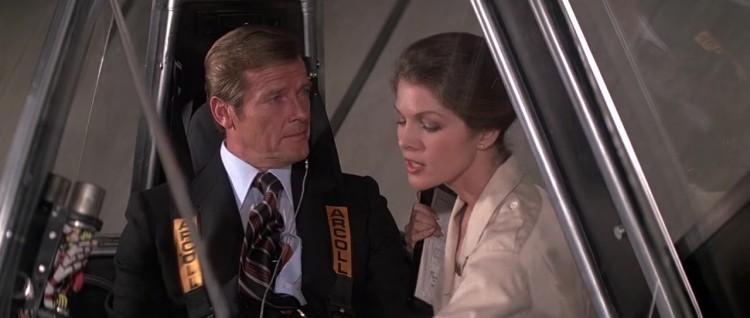 James.Bond.Moonraker.1979.720p.BRrip.x264.YIFY_Moment5